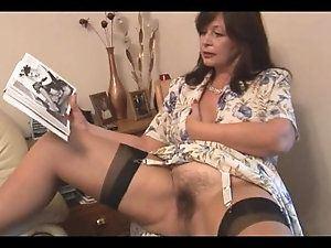 Chubby slut masturbate dick slowly