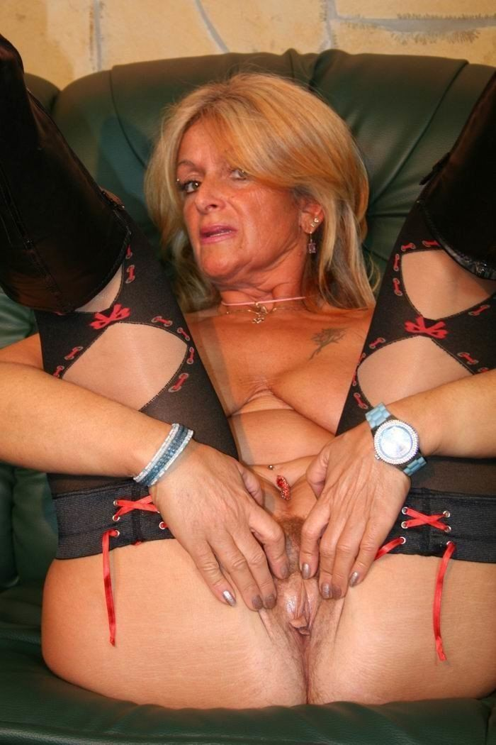 best of Bikini amatuer Granny slut pictures