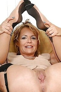 best of Mature women nude thumbs Softcore