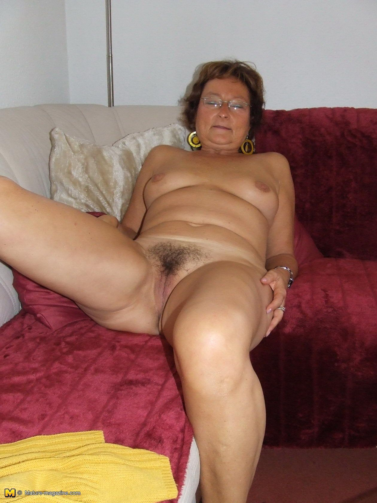 Free nude housewife photos