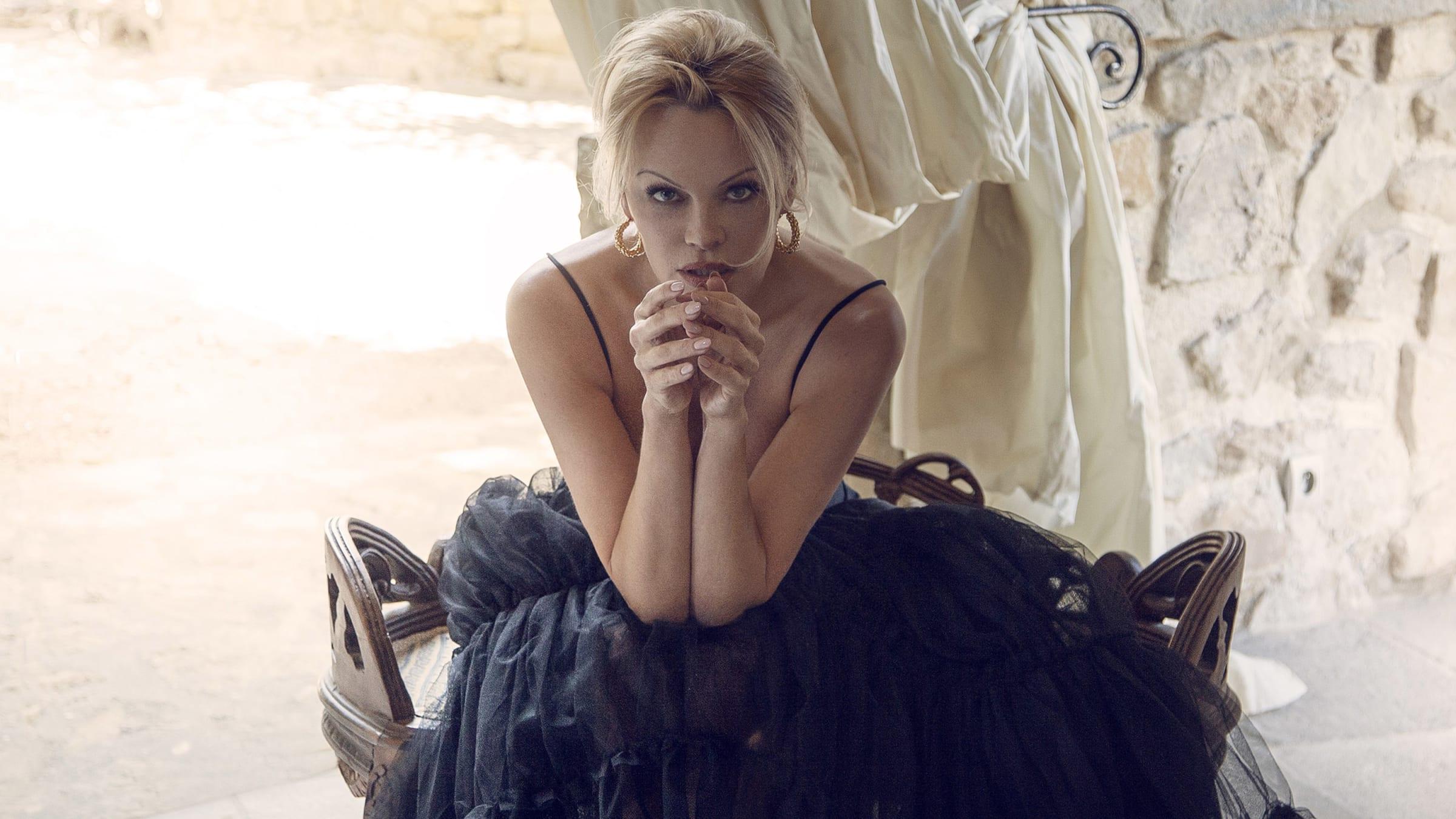 Petunia reccomend Pamela Anderson and Brett Michaels Sex Tape.