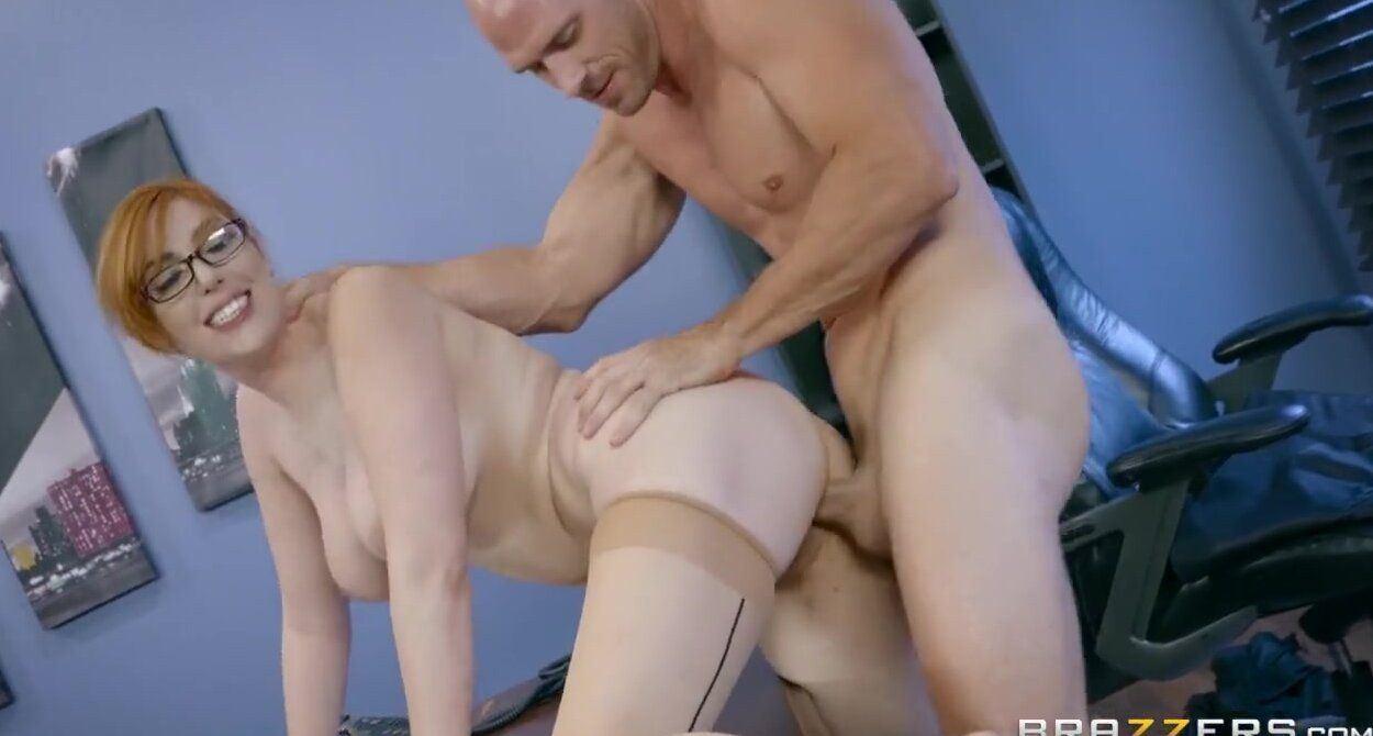 Big booty ginger fucks anal.