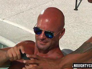 Maple reccomend pool big dick