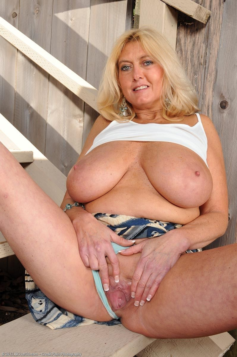 New N. reccomend Busty mature world