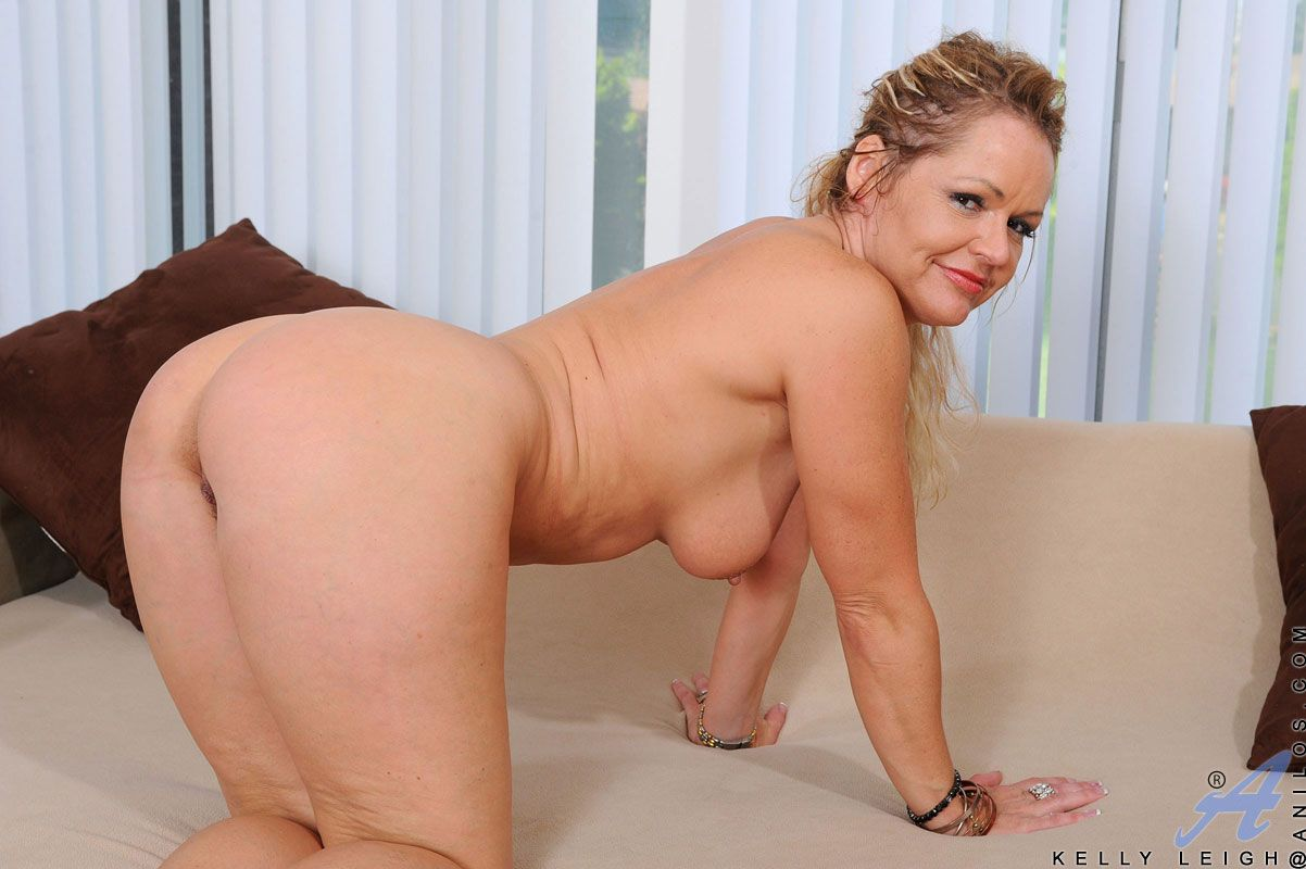Guppy recomended leigh Mature kelly