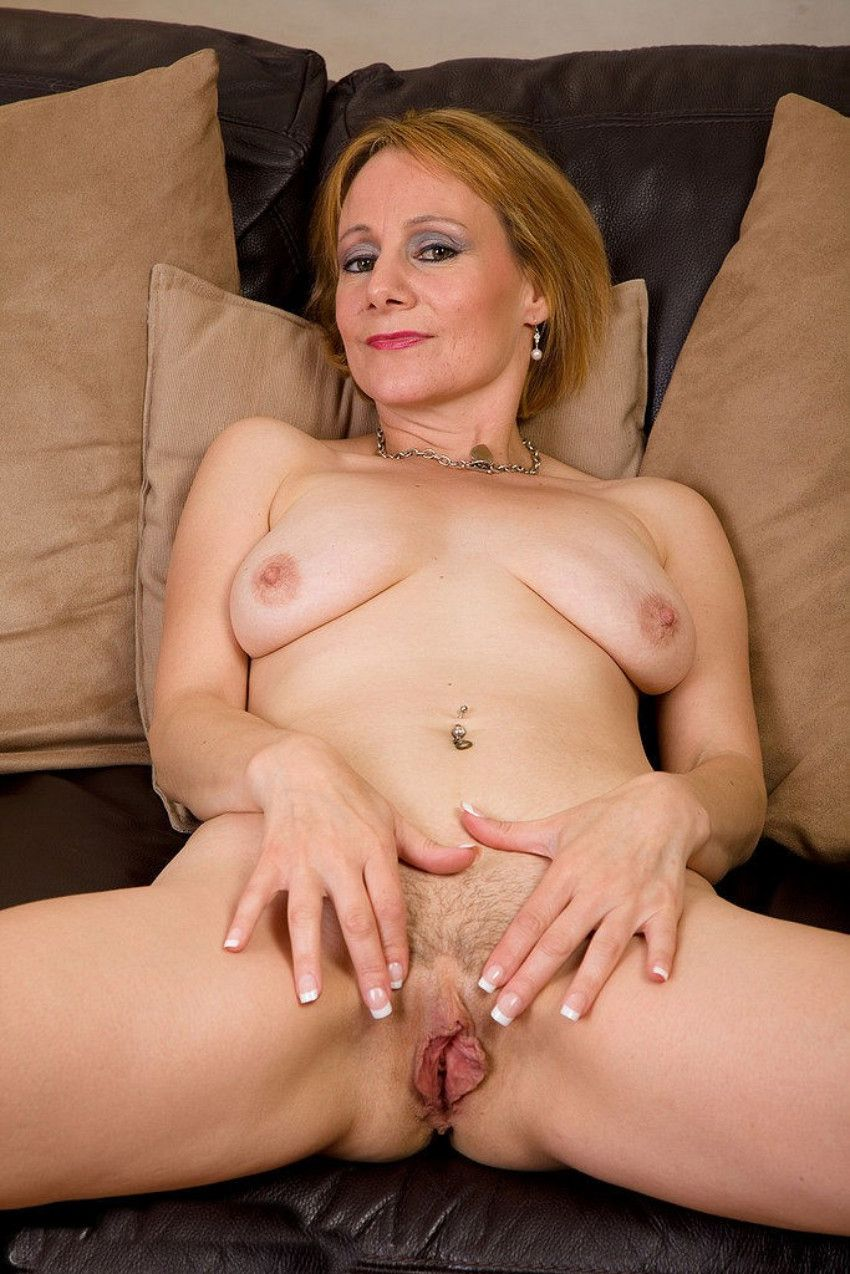 Empress reccomend sexy naked mature ladies galleries