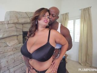Claws recommendet matures Latina hard Milf cock his sharing