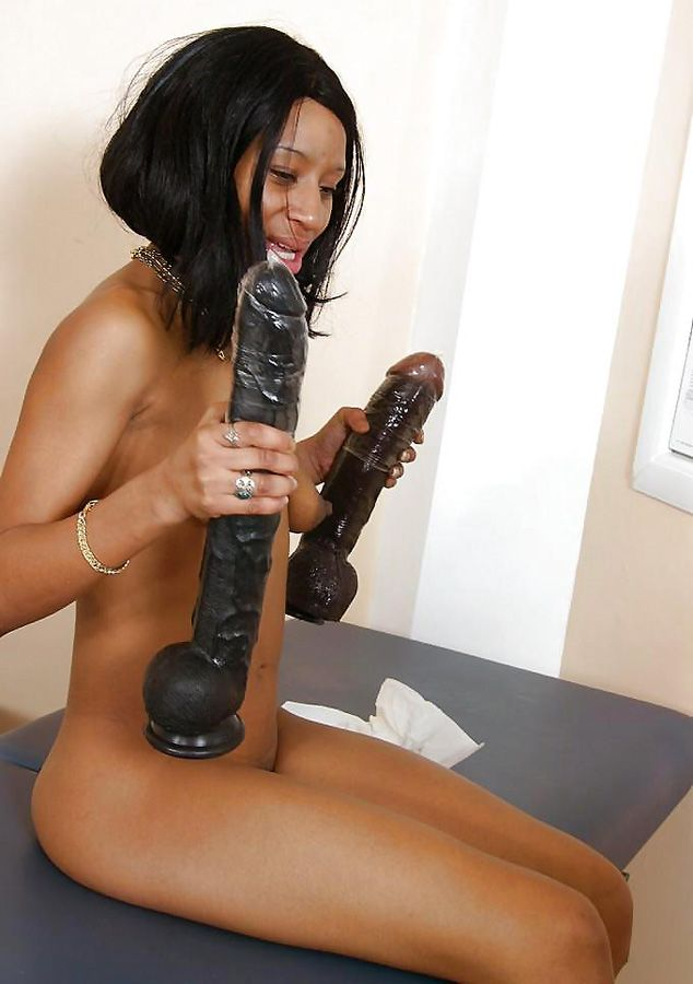 Wizard reccomend Nude woman with giant dildo