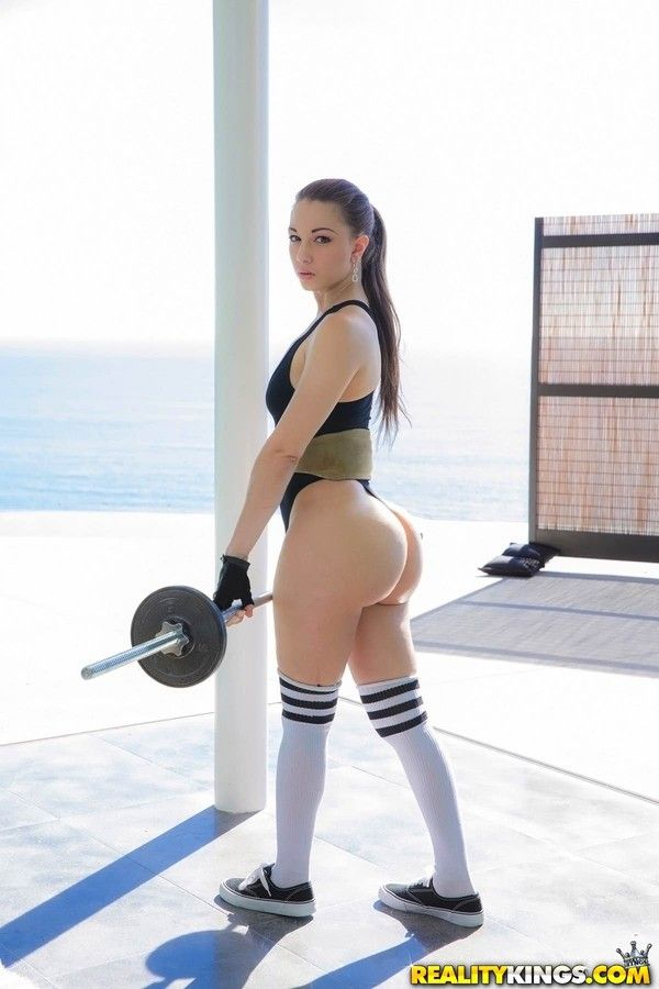 Tulip reccomend big ass fitness chick