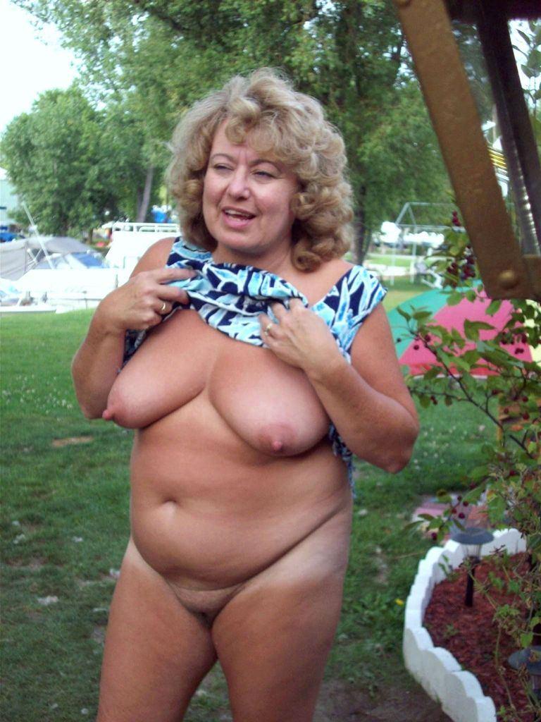 Free mature ladies nude in public places pics
