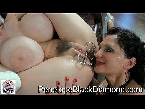 T-Rex recommendet penelope black diamond lesbian