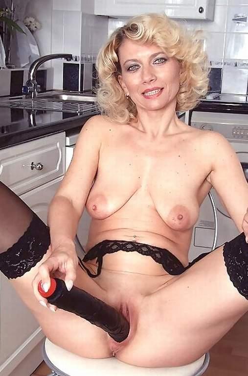 Pics of naked mature women
