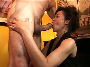 Black M. reccomend show cum before swallow