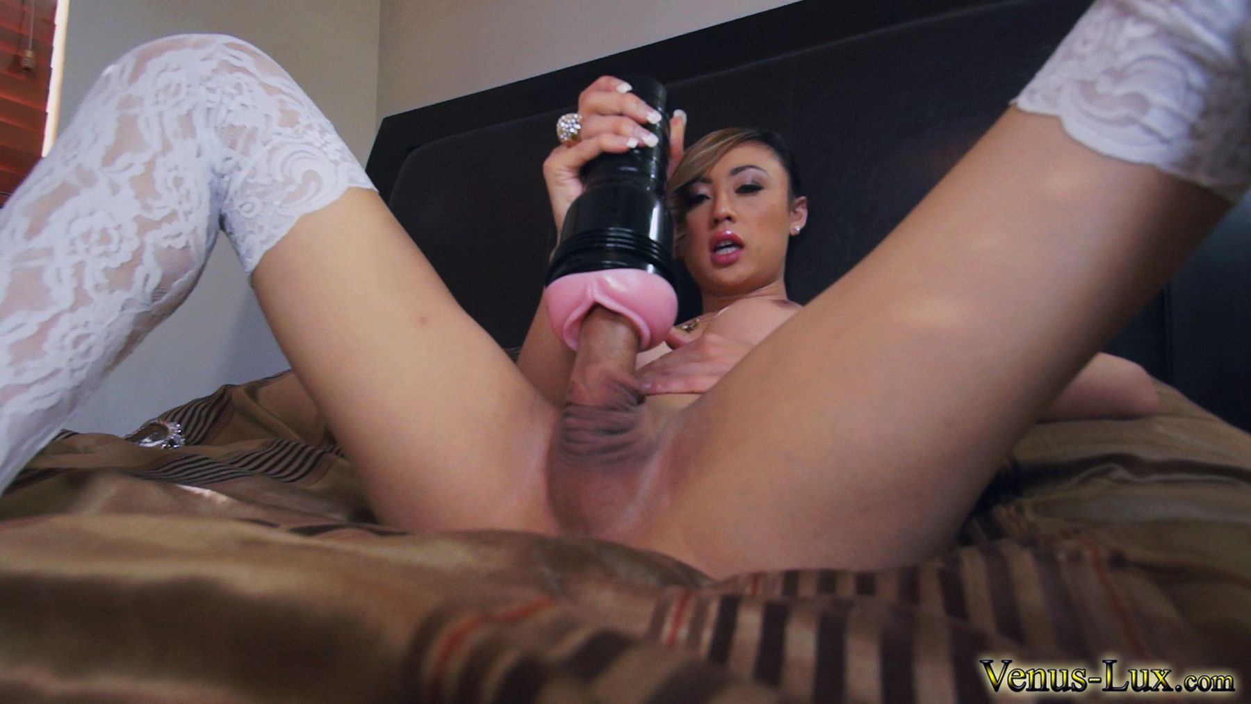 Jessica R. recommend best of flesh light Shemale