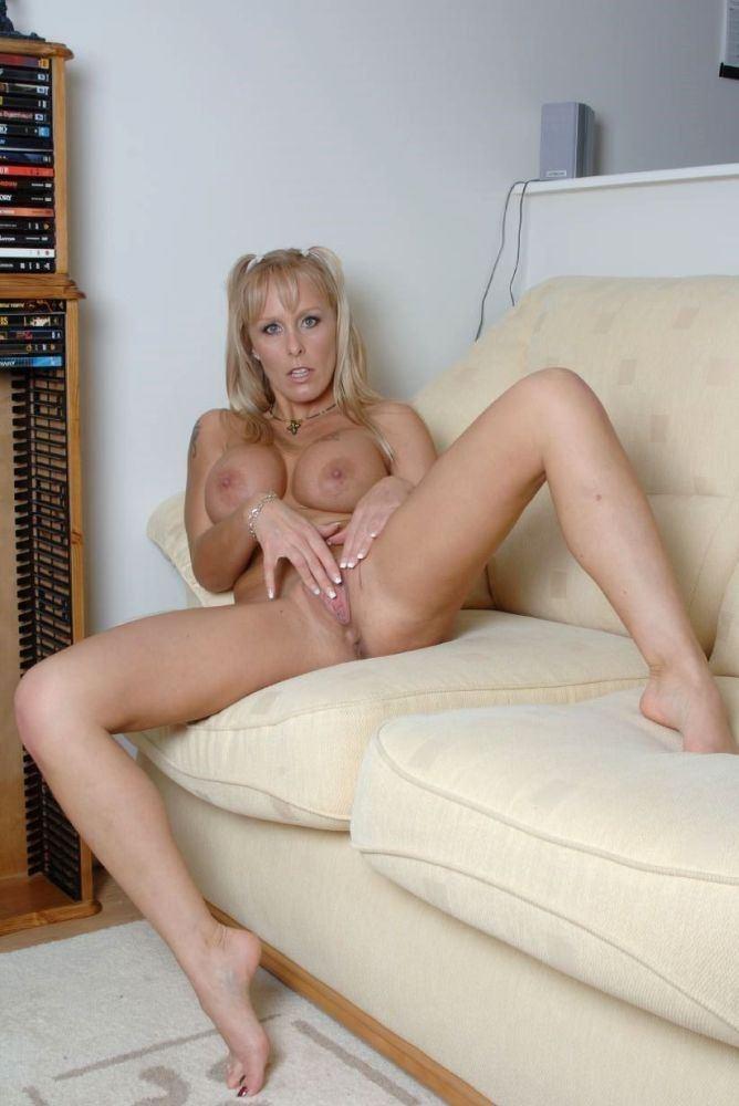 Nude blonde milf pussy