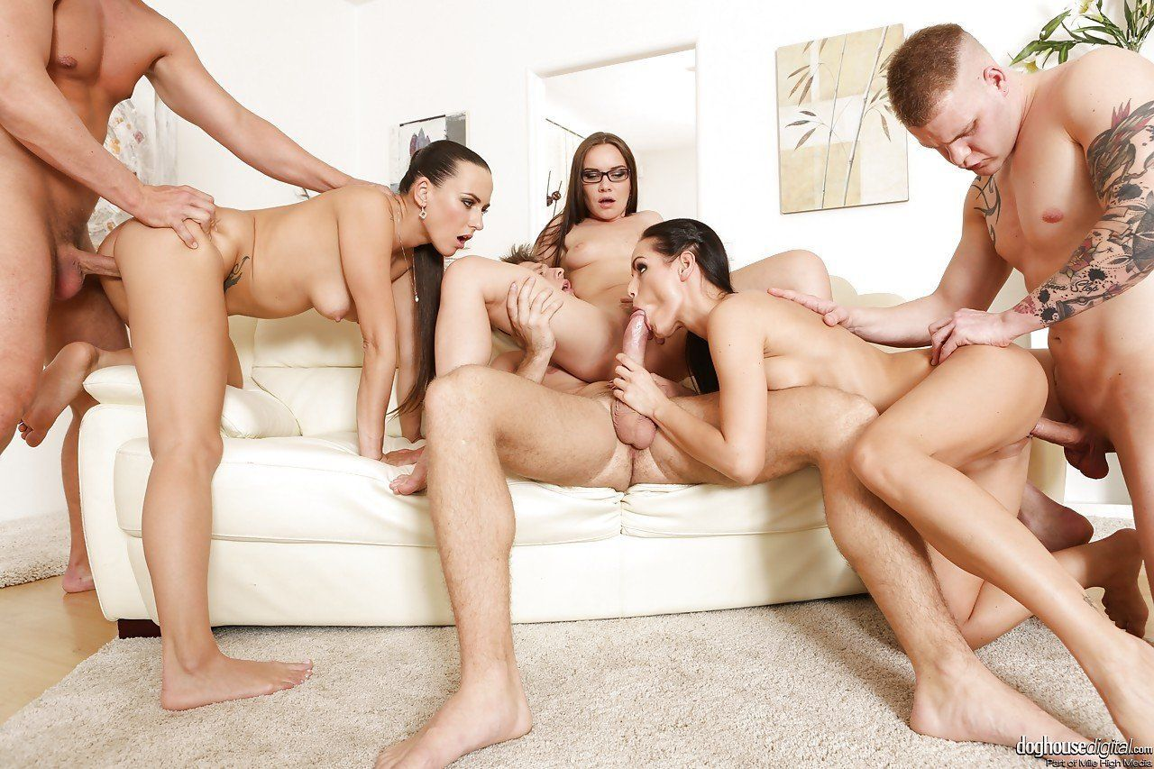 Nude slut masturbate dick and anal