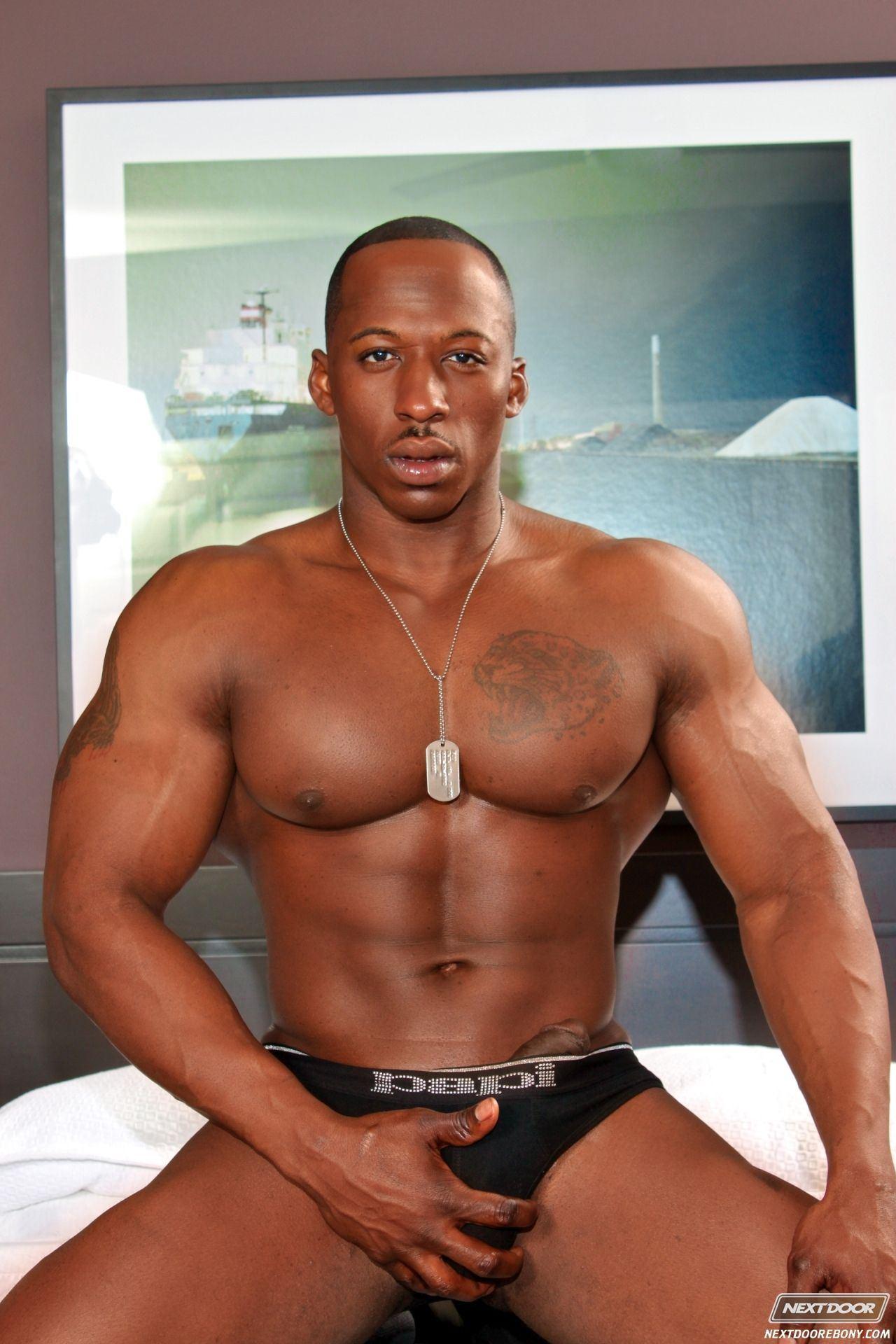 Drum reccomend black muscular sexy gay nude pics gallery