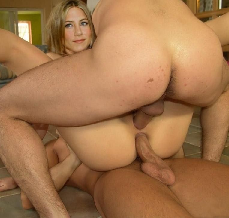 Muzzie reccomend New jennifer aniston threesome