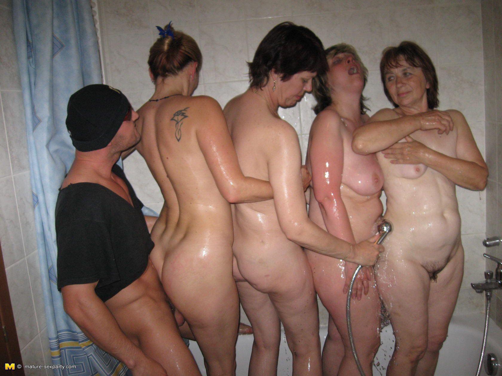 Tabasco reccomend nude women party