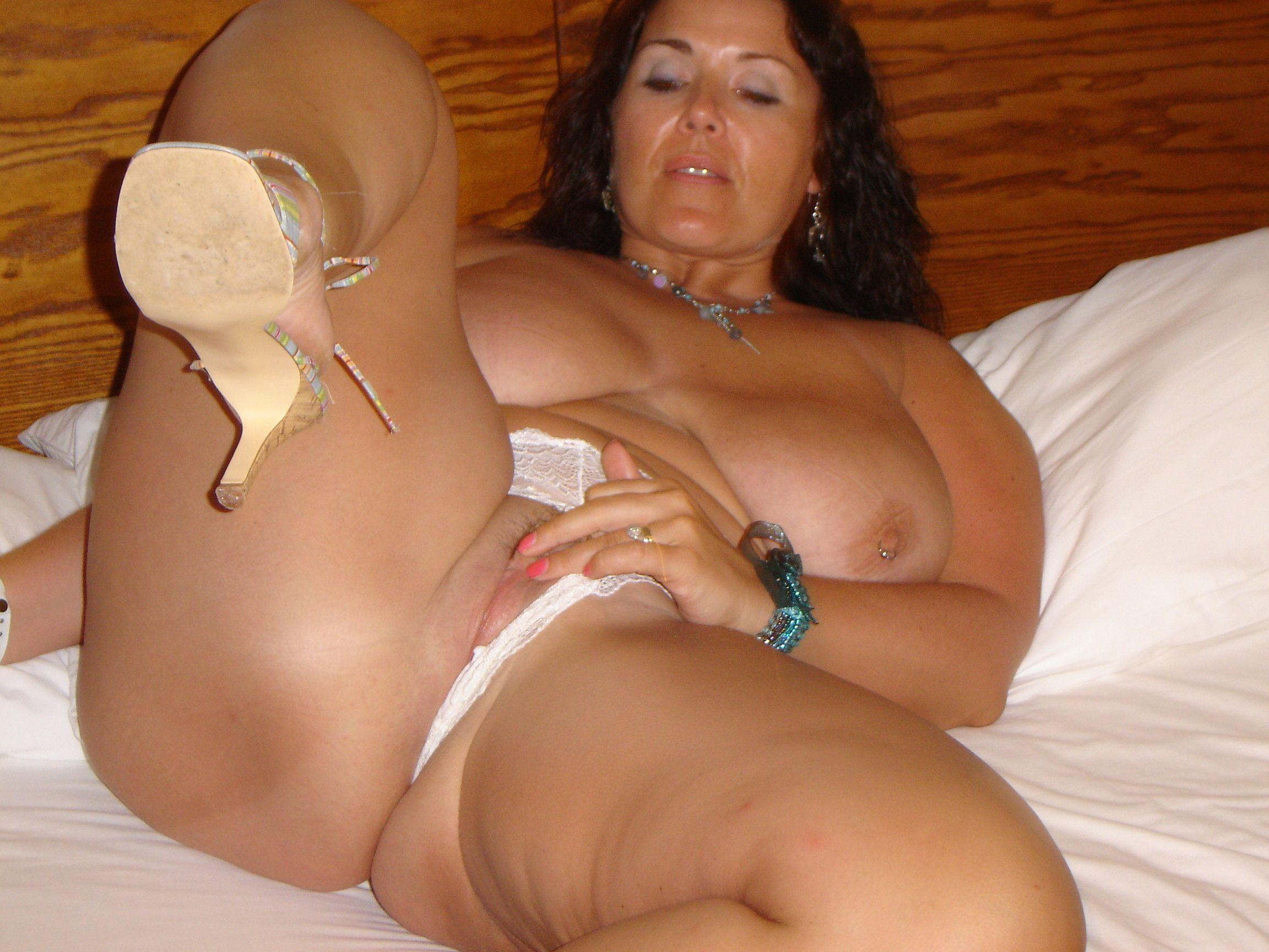 Sexy busty mature mom