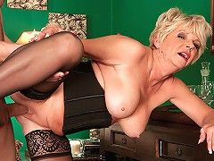 Sixlet reccomend Deanna bentley mature model