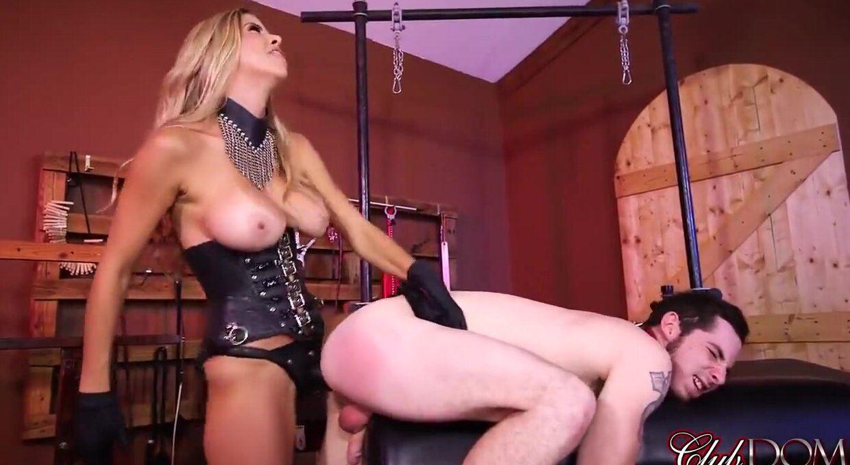 Girlfriend tied orgasm