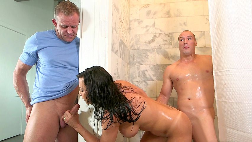 Claws reccomend Husband busy wife blowjob