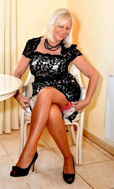 Mature sandys secret heels