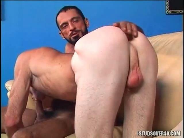Naked mature men sucking cock