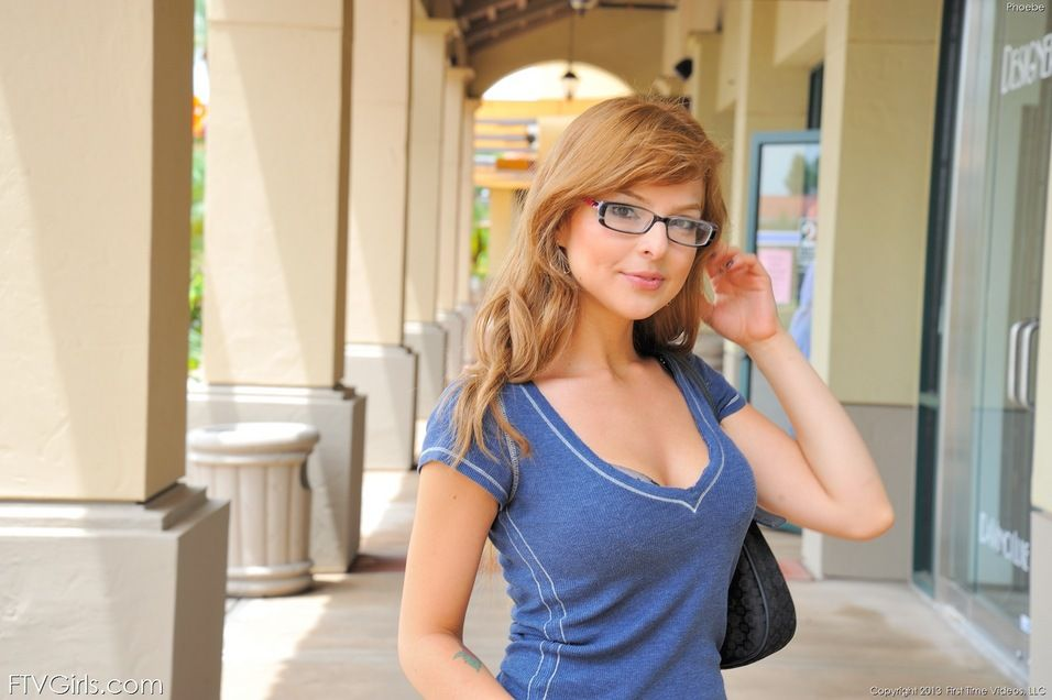 Pebble recommendet teen nerdy redhead