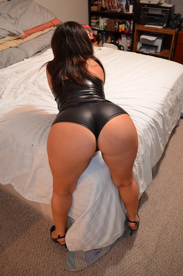 Latina mom ass