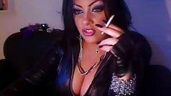 Hound D. recommendet long nails lips fetish
