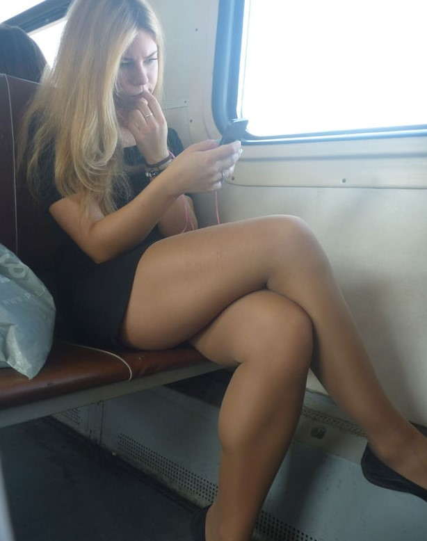 Sexy legs candid