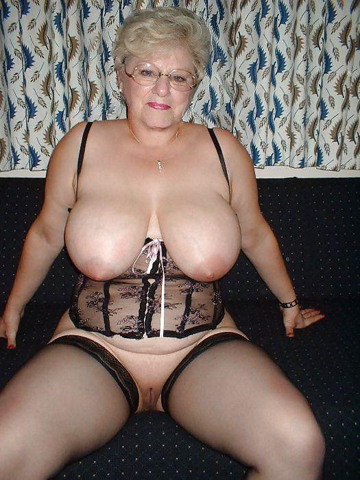 Mature old women nylon porn