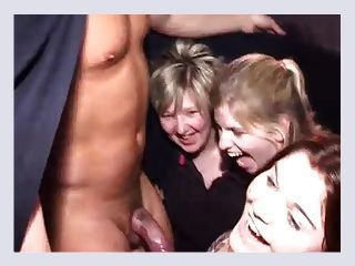 Lady recommend best of Cumshot in car