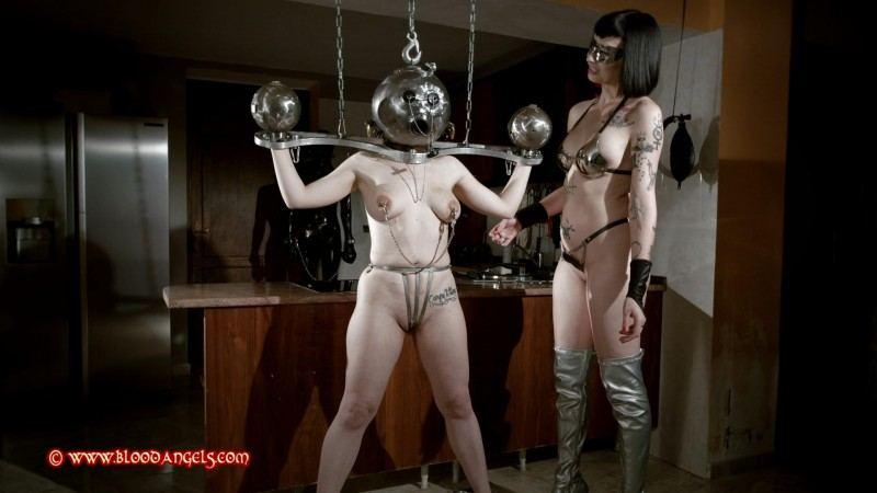 Lolli reccomend Bdsm mistresses wearing masks
