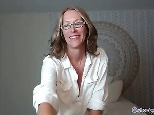 Half-Pipe reccomend Beautiful mature woman glasses