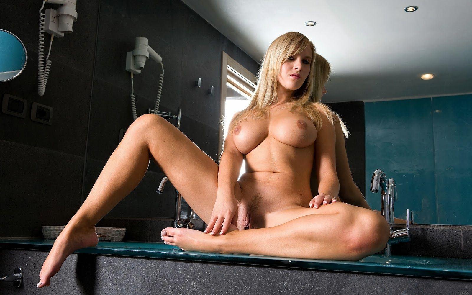 Beautiful naked erotic