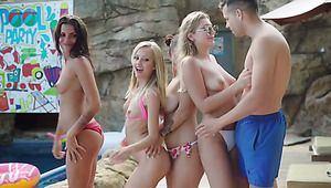 Bikini whore suck dick outdoor