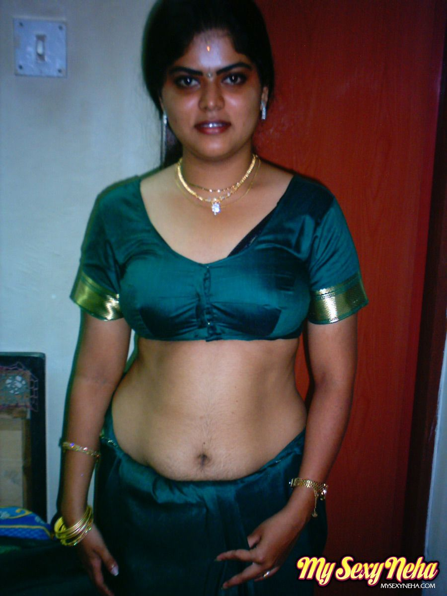 London reccomend Indian huband and wife in saree naked sex