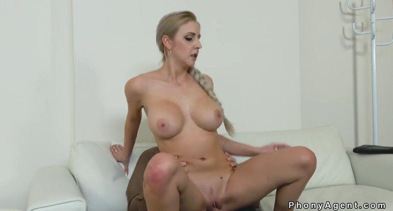 Casting tits