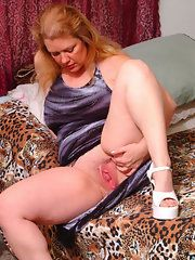 Chubby and mature pussy