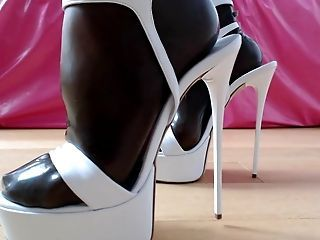 Trigger reccomend Cum in my wifes high heels