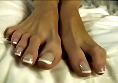 Big feet long toes