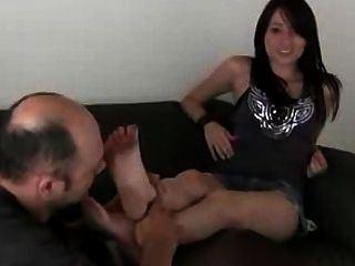 The B. reccomend dirty heels lick