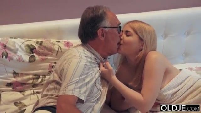 Finch reccomend dad kissing daughter