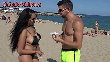 Bikini whore blowjob dick on beach