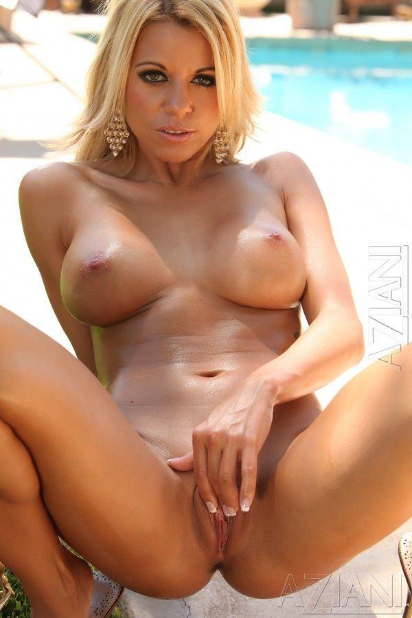 Big boob nude pictures