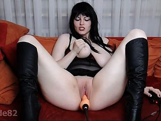 Red V. recommend best of Fucked lustful bunny - Solazola.
