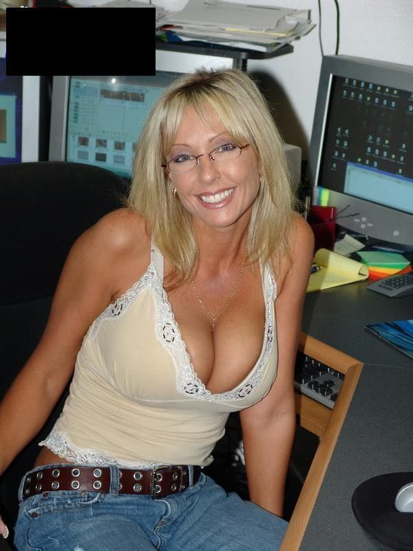 Buster reccomend Free streaming low-cut top milf